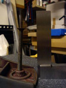 Bent Acorn No. 4 knob screw