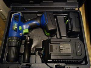 Axion 18V combi drill kit