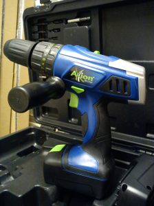 Axion 18V combi drill with side handle