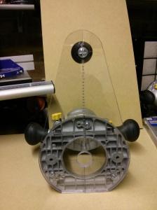 Circle cutting offset base
